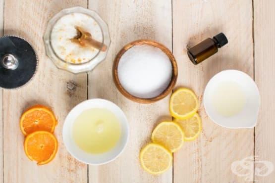 Направете си хидратиращ скраб за устни с аромат на мента и ванилия - изображение