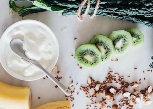 Облекчете безсънието с напитка от кейл, банани, бадеми, киви и кисело мляко - изображение