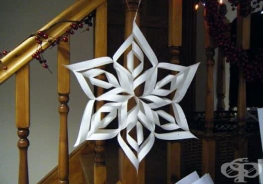 Украсете дома с хартиени снежинки по 12 начина - изображение