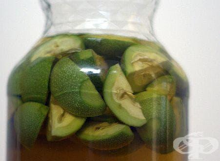Укрепете организма и засилете зрението си с лек от зелени орехи - изображение
