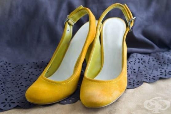 Освежете велурените обувки с прясно мляко и сода  - изображение