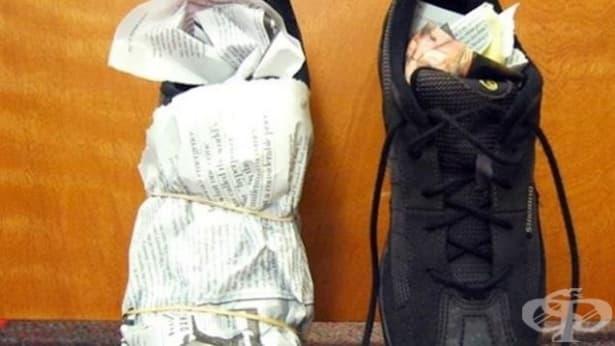 Абсорбирайте влагата и неприятната миризма в обувките си с вестник - изображение
