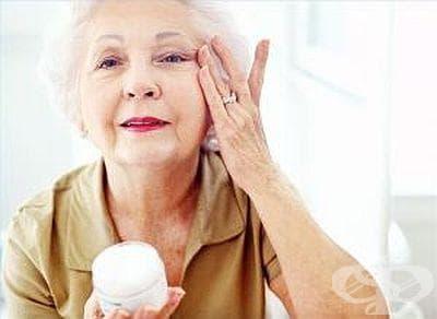 За изглаждане на бръчките подхранете кожата си с извара - изображение