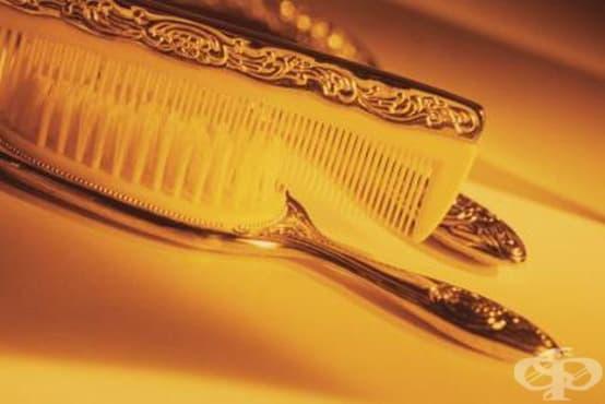 Почистете гребените и четките за коса с разтвор от оцет и вода - изображение