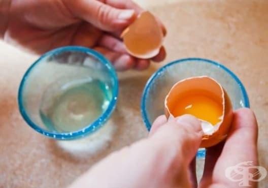 Заличете бръчките по кожата с яйце, витамин Е и оцет - изображение