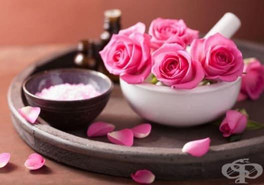 Заличете целулита с лосион от розова вода, витамин Е и етерични масла - изображение