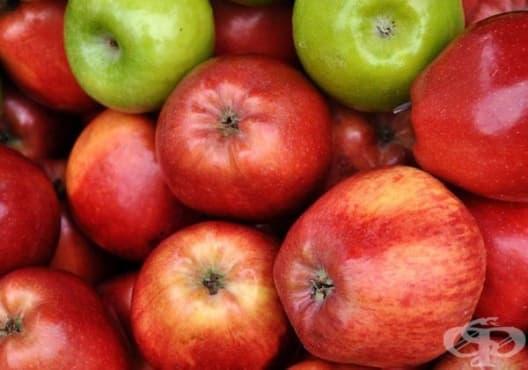 Заличете тъмните кръгове под очите с ябълка и зехтин - изображение
