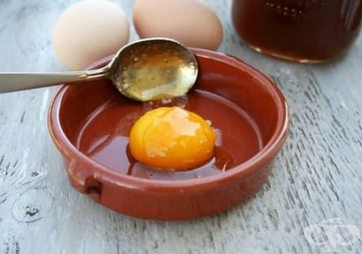 Защитете косата от слънцето с мед и яйце - изображение