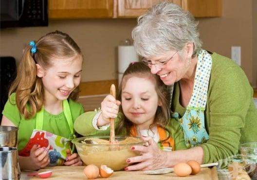 Защо бабите дават повече любов на внуците отколкото на своите деца - изображение