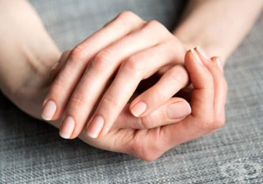 Заздравете ноктите с папая, жълтък и бадемово масло - изображение