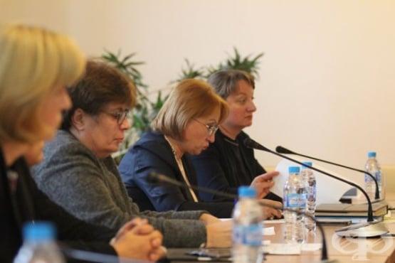 КНСБ и министър Деница Сачева обсъдиха нуждата от промени в Кодекса на труда - изображение
