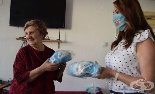 В Русе осигуриха 1000 маски, предназначени специално за хората с увреден слух - изображение
