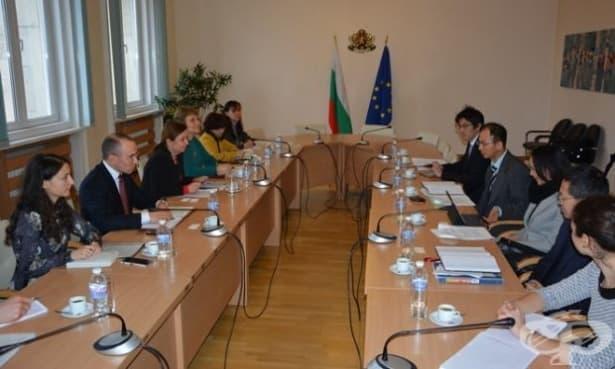 Екип на социалното министерство се срещна с представители на МВФ - изображение