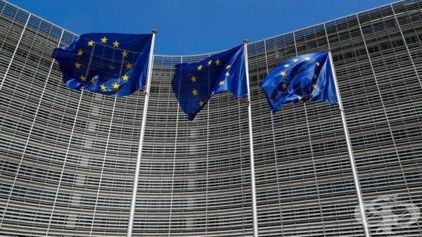ЕК започна консултации със социалните партньори за справедливи минимални заплати - изображение