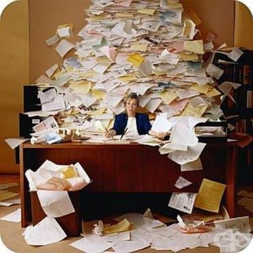 Как да не потъваме в морето от информация на работа  - изображение
