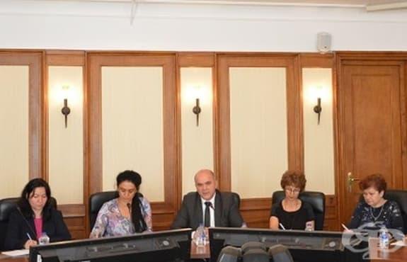 Обсъдиха новото законодателство за хората с увреждания на кръгла маса - изображение