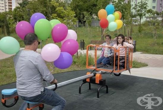 """Люлка за деца с увреждания поставиха в старозагорския парк """"Артилерийски"""" - изображение"""