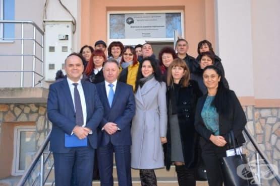 Министър Бисер Петков посети две от местата в Якоруда, където предлагат социални услуги - изображение