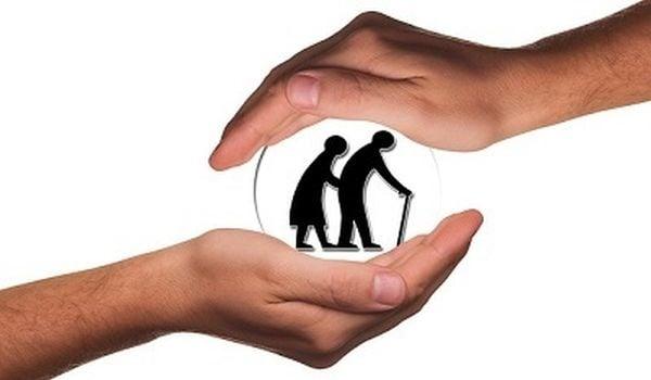 Социалното министерство ще осигури дезинфектанти на 6730 възрастни над 65 години - изображение