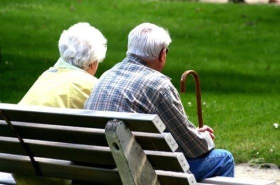 Пенсионерите ще вземат надбавки за Коледа - изображение