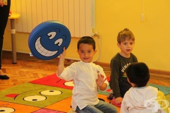 Сензорна стая за деца със специални потребности откриха в Мездра - изображение