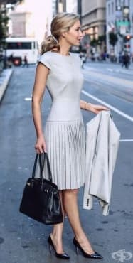Успешно облекло при интервю за работа - изображение