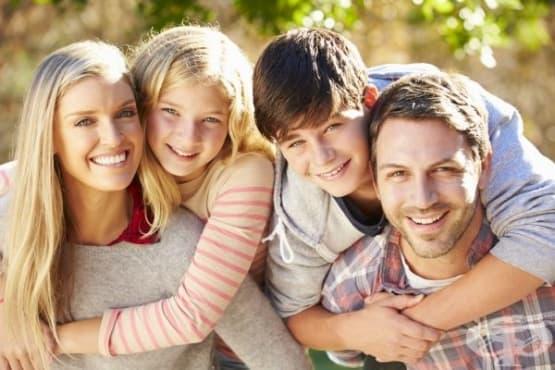 В услуга на приемните родители  - изображение