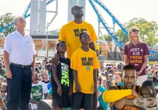 ЛеБрон Джеймс дари близо 42 милиона долара, за да изпрати 1100 деца в колеж - изображение
