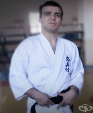 Първият състезател по киокушин карате с втори дан в света, страдащ от церебрална парализа, е българинът Панайот Чанков - изображение