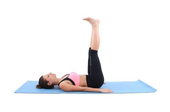 7 лесни йога пози, които помагат на храносмилателната система, повишават метаболизма и се борят с излишните килограми - изображение