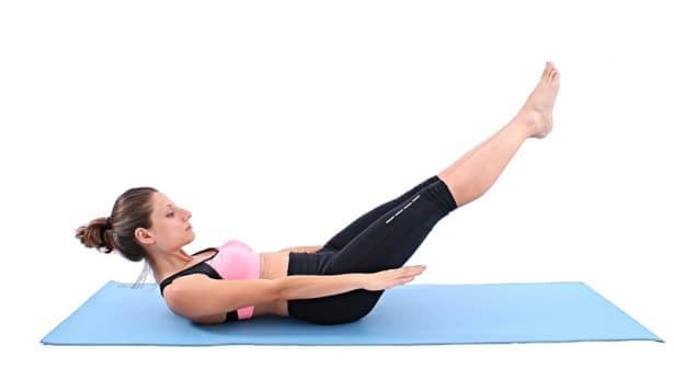 9 пилатес упражнения за корем, които да правите вкъщи - изображение