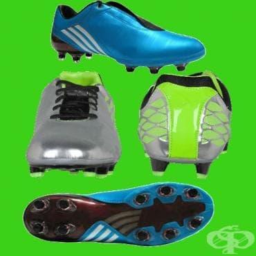 Футболни обувки - изображение