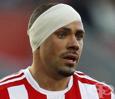 Превръзка на ухо при спортна травма - изображение