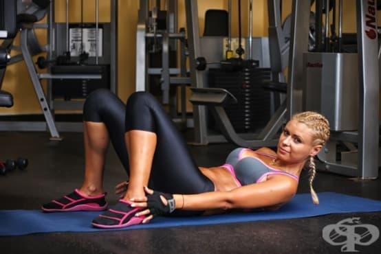 6 домашни упражнения, с които да стегнете корема като с корсет - изображение
