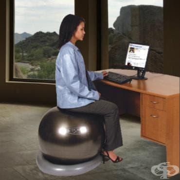 Ползите от използването на фитнес топки вместо столове - изображение
