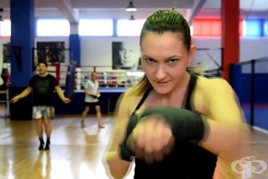 Илияна Гълъбова, републикански шампион по кикбокс: Не мечтая за победата, а тренирам здраво, за да я постигна! - изображение