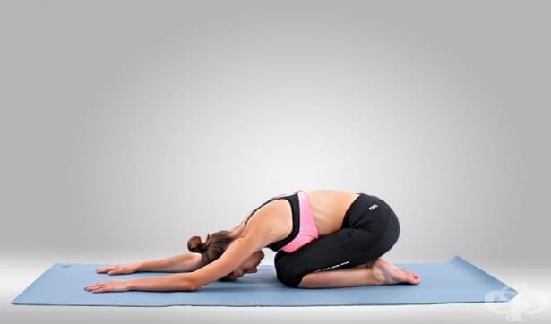 7 йога пози при мигрена, с които да си помогнете сами - изображение