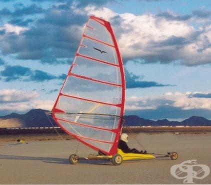 Състезания с ветроходна триколка - изображение