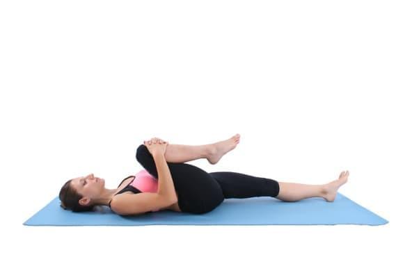 3 лесни пилатес упражнения при болки в гърба - изображение