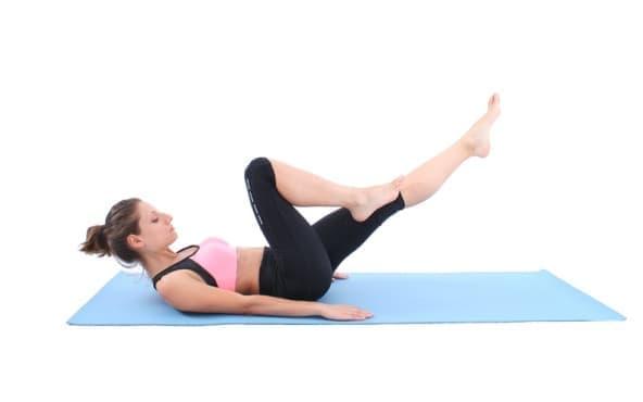 5 пилатес упражнения за начинаещи, които да правите вкъщи - изображение