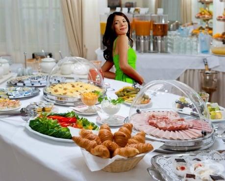 Съвети за избягване покачването на килограми около празниците - изображение