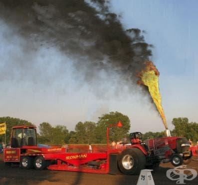 Състезание по теглене с трактори - изображение