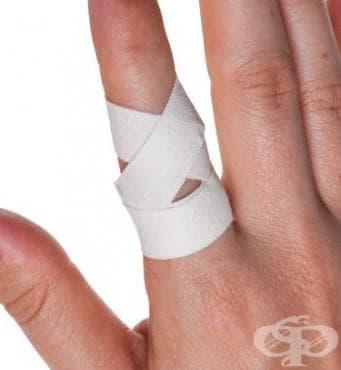 Спортен тейпинг за фиксиране на пръст в изправено положение - изображение