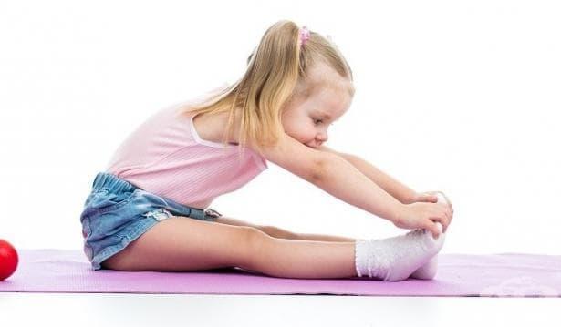 Сутрешна гимнастика за деца с цел профилактика на гръбначни изкривявания - изображение