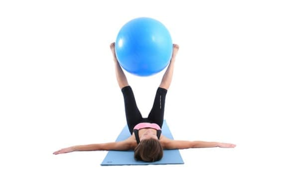 Тренировка с фитнес топка за плосък корем - изображение