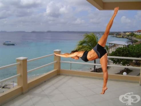 Домашна баре тренировка на балетна станка за стягане и тонизиране на тялото - изображение