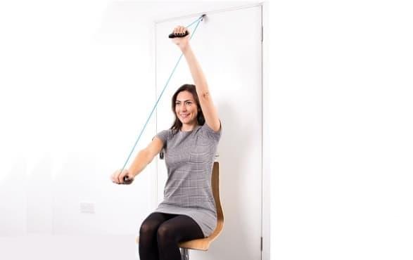 Упражнения за домашна рехабилитация след операция на рамото - изображение