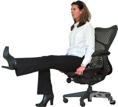 Упражнения в офиса за тонизиране на долните крайници - изображение