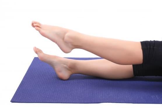 Йога упражнения, които помагат при отоци на крайниците - изображение