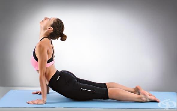 3 ефективни йога пози при кифоза - изображение